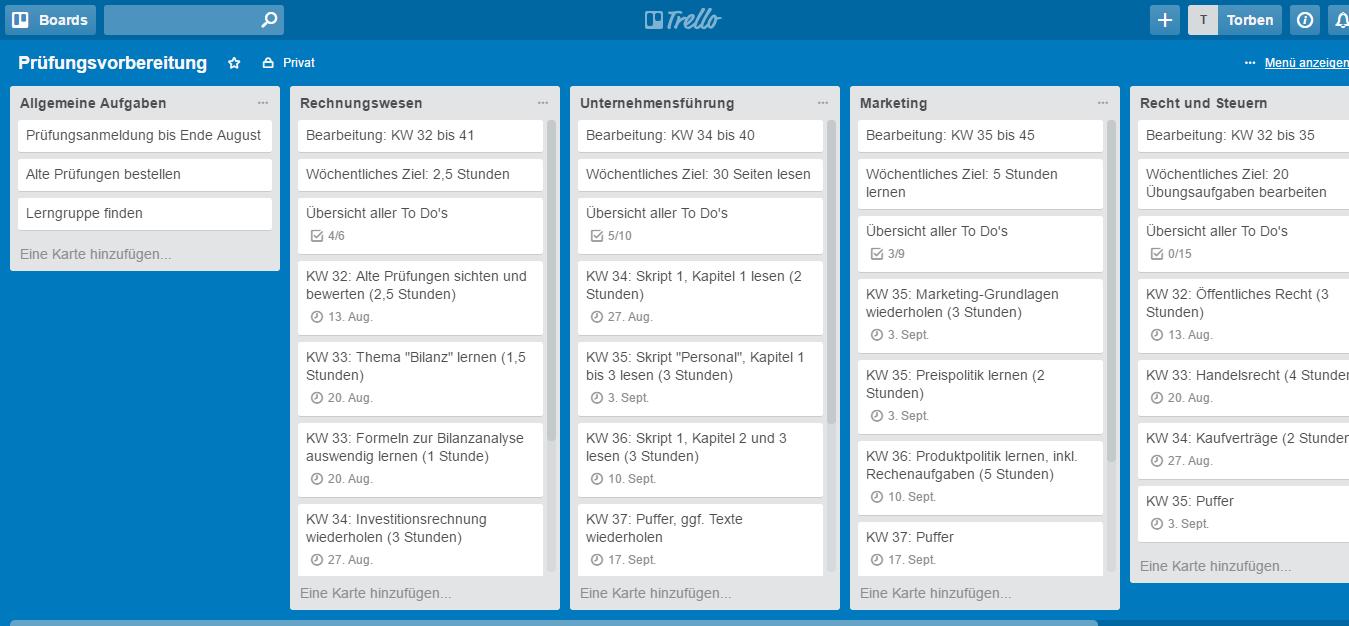 Jetzt sind auch alle Fristen in unserem Lernplan definiert. Aufgaben, die sich ihrer Deadline nähern, werden farblich hervorgehoben (Screenshot: trello.com).